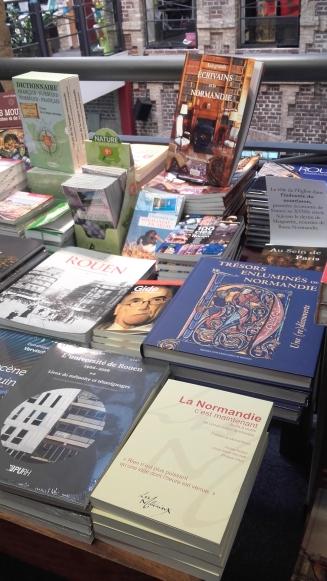 A la Librairie l'Armitière de Rouen.
