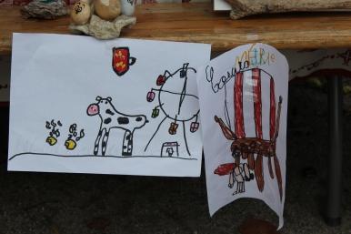 Dessins réalisés par les enfants de l'école primaire sur le thème de la Normandie. Fête des Normands 2019 de Lion sur Mer, Calvados.